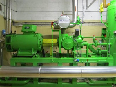 Vilter single-screw compressor driven by a Dyneo PLSRPM permanent-magnet synchronous motor.