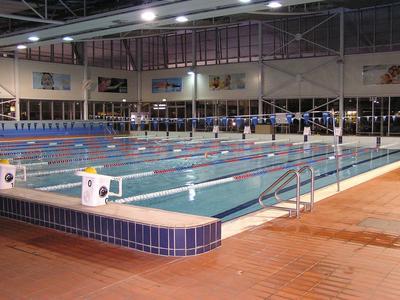 The 25 m indoor pool.