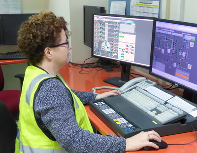 Jenny Clemow monitors AspenTech DMC3 Adaptive Control.