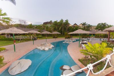 Image of the pool at the Outrigger Fiji Beach Resort.