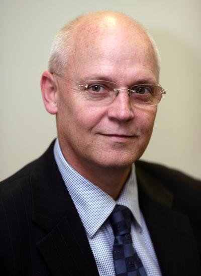 Portrait photo of Chris Seller